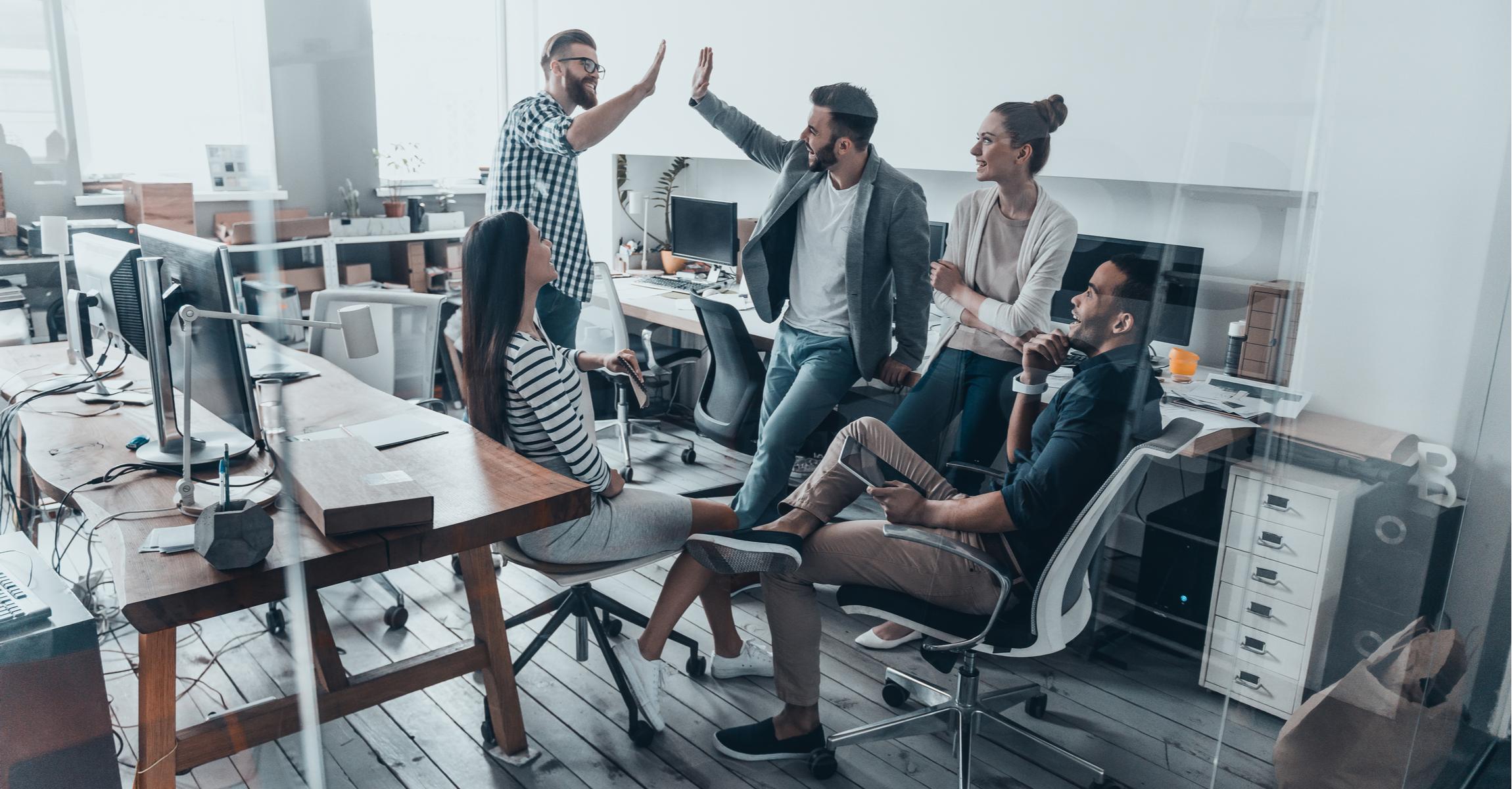 business_team_meeting